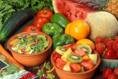 b2ap3_thumbnail_Fresh_cut_fruits_and_vegetables.jpg